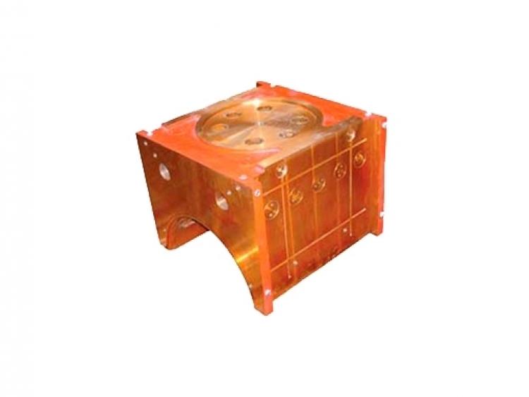 Caixa de mancal para rolo superior com câmaras de refrigeração